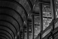 The Long Room [Explored #199] (Cornelli2010) Tags: old ireland blackandwhite bw dublin history architecture library bibliothek trinitycollege books irland architektur historisch longroom schwarzweis historically canonef2470mm128l canoneos5dmarkiii