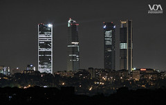De Madrid Al Cielo V (El Orfebre Mochilero) Tags: madrid city urban skyline architecture modern night skyscraper lights noche spain arquitectura ciudad moderna