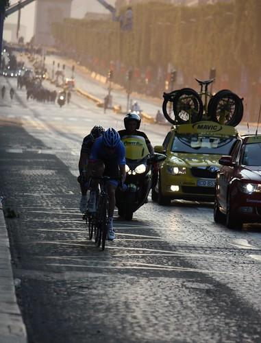 Tour de France on the  Avenue des Champs-Élysées