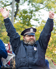 Red Sox bullpen cop Steve Horgan (sdowen) Tags: boston redsox parade worldseries duckboat