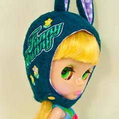 #8 (Helena / Funny Bunny) Tags: doll helmet blythe embroidered lemoncurd rbl funnybunny solidbackground machineembroidered mrsretromama funnybunnyhelmet