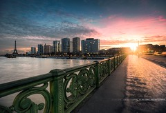 Paris - An Ending / 31-12 (A-lain W-allior A-rtworks) Tags: bridge paris france tower sunrise buildings nikon libert flare pont nikkor hdr d800 eiffle 1635 statut immeubles