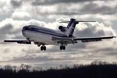 Boeing 727-227 landing at KCLE (GeorgeM757) Tags: boeing 727 landing aircraft airport airplane alltypesoftransport avaition georgem757sphotostream n17773 727227