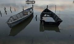 gargano7 (Piero Donofrio) Tags: lago italu barche acqua colori riflessi puglia gargano lesina daunia