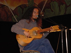 Manuel Sánchez, eximio cultor de la décima y del guitarrón.