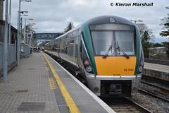 22040 arrives at Portlaoise, 5/4/14 (hurricanemk1c) Tags: irish train rail railway trains railways irishrail rok rotem 2014 portlaoise icr iarnród 22000 22040 éireann iarnródéireann premierclass 1520portlaoiseheuston 5pce