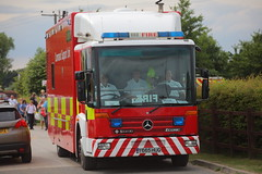 IMG_2841 (Lee Collings Photography) Tags: mercedes lincolnshire firetruck fireengine emergency crowle 1107 emergencyvehicles emergencyservices emergencyservice rescueday emergencyservicevehicles mercedesfiretruck crowlerescueday y665hug emergencyservicetransport 11072015 communitysupportunit