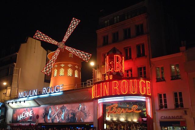 ムーランルージュ(パリ人気観光地)