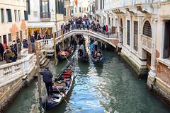 Venezia, traffico nel canale (MaOrI1563) Tags: venezia venice carnevalevenezia maschera venicecarnival 18febbraio2017 maori1563 canale ponte persone gondola gondole