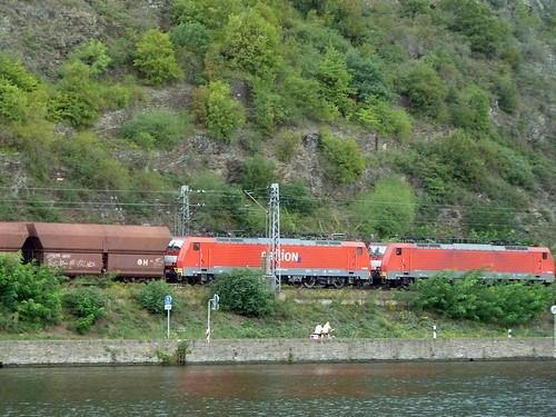 Doppelgespann der Railion an der Mosel richtung Koblenz