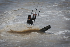 Un peu d'air dans le Sud (MBadia) Tags: kite surf wind windy kitesurf veny saintlaurentduvar