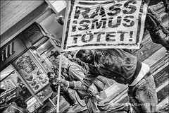 "FIGHT RACISM NOW! (""AL"") Tags: street blackandwhite bw demo refugees protest streetphotography demonstration schwarzweiss proteste solingen widerstand grundgesetz streetfotografie residenzpflicht andrealinss rechtaufasyl"