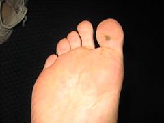 IMG_8905 (sockless_ca) Tags: men feet bare guys dirty sweaty barefoot stinky sockless