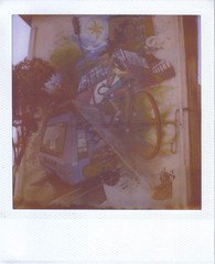 Graffiti - Viaje urbano (hikaru86) Tags: chile santiago slr vintage project polaroid sx70 graffiti stencil mural arte jordan cielo instant abierto 690 70 86 680 sepulveda impossible hikaru sx cámara callejero instantanea hikaru86 jordansepulvedalazo