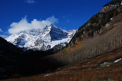 Early Winter at Maroon Bells (Let Ideas Compete) Tags: mountains high october colorado peaks rugged maroonbells guysweekend vision:mountain=090