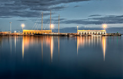 Reflejos (juanjofotos) Tags: night puerto mar barco nocturna reflejos marmediterráneo burriana geoetiqueta nikond800 juanjofotos juanjosales pwpartlycloudy