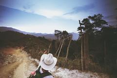 guide me... (Michael Brockmann) Tags: city trek landscape lost nikon df colombia superb ciudad 20mm fullframe voigtlnder perdida
