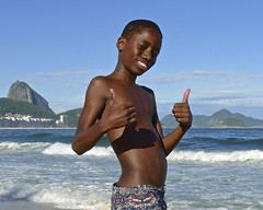 Nice Garoto (alobos Life) Tags: boys guys garoto cute nice beautiful boy water beach playa funny divertido enjoying rio de janeiro brasil brazil have fun outdoors candid