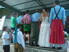 DSCN6994 (tafu1984) Tags: wedding friends party people beauty fun outdoors bride oldtimer bridegroom hochzeit freunde braut bräutigam spas
