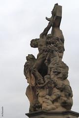 008700 - Praga (M.Peinado) Tags: canon puente barco praha praga escultura cristo karlvmost jesucristo ngeles chequia esko eskrepublika 2013 puentedecarlos ccby r canoneos60d repblicachecha 03092013 septiembrede2013