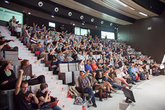 TEDtalks - TEDxZaragoza 2013 - Sabotajes! (TEDxZaragoza) Tags: esp f4 tedx cameracanoneos5dmarkii lensef24105mmf4lisusm tedxzaragoza focal24 robertoruzherrera