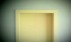 meistertre | dessau | 1403 (feliksbln) Tags: door yellow puerta amarillo gelb dessau tre meisterhuser