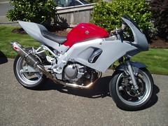 Enter 1st Track Bike (CornerCarving) Tags: racing sportbike suzuki sv650 needforspeed trackbike trackday supersport 2fast nesba motorcycleracer wmrra