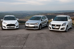 Warm Hatches on Holme Moss (Chris Globe) Tags: ford volkswagen fiesta swift suzuki polo holmemoss fiestazetecs fordfiesta volkswagenpolo suzukiswift swiftsport polorline
