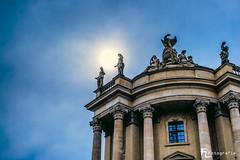 Statuen in der Sonne