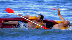 na hora H (marcia.kohatsu) Tags: praia beach mar kayak mens portobelo homens caiaque redkayak perequ menatthesea
