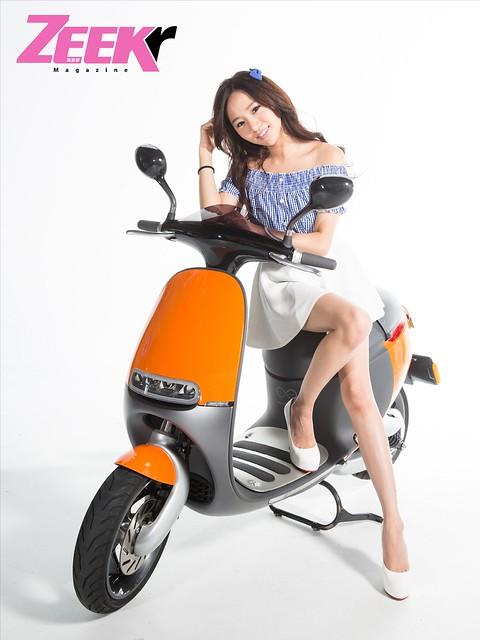 ZEEK Girl-gogoro2