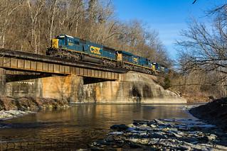 CSX Q539 crosses Otter Creek