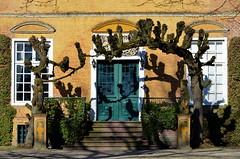 Eingang zur Philippsburg in Loga