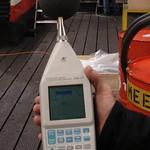 Meting voor het plaatsen geluidreducerende omkasting (95,1 dB)