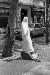059-Barcelona-La Rambla (marek&anna) Tags: spain barcelona lasramblas mime monochrome