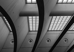 Liege Guillemins patterns (Stijn Daniels) Tags: liege guillemins station gare pattern blackandwhite black white zwartwit zwart wit