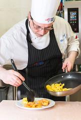 Lo Chef Marco Salmi al lavoro