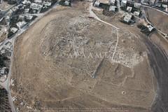 Tell el-Husn (APAAME) Tags: bronzeage flight2 flying2006 jadis2321001 megaj2681 roman tall tallalhusun tell tellelhusn city digitalcamera town aerialarchaeology aerialphotography middleeast airphoto archaeology ancienthistory