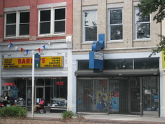 Broad Street, Richmond, Va. (Dan_DC) Tags: old virginia downtown richmond storefronts broadstreet barrys shopfronts musictapesrecords
