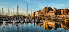Cae la tarde en el puerto de Gijón / Late afternoon in the port of Gijon (aldairuber) Tags: sunset port marina puerto atardecer gijón asturias gijon ocaso asturies xixón