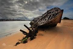 Repos éternel (photosenvrac) Tags: ocean photo bretagne bateau paysage plage etel épave riadetel thierryduchamp