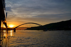 Sunset behind the Marienbrcke at Vilshofen an der Donau (echumachenco) Tags: bridge sunset sky water june juni germany bayern deutschland bavaria boat wasser sonnenuntergang himmel brcke schiff danube donau marienbrcke vilshofen nikond3100