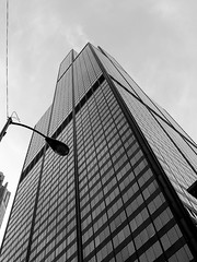 "Sears-Tower-from-street • <a style=""font-size:0.8em;"" href=""http://www.flickr.com/photos/59137086@N08/11397481146/"" target=""_blank"">View on Flickr</a>"