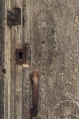 Cerraduras Door Lock (Juana Prez) Tags: door vintage puerta cerradura tiempo doorlock envejecer