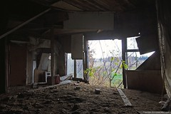 6655 (ontario photo connection) Tags: ontario canada abandoned barn rural decay farm interior vacant derelict rurex