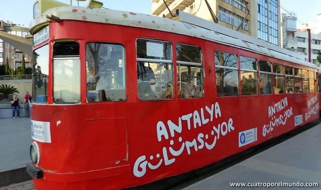 Tranvia en Antalya