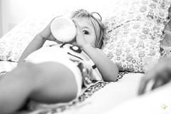 OF-Ensaio-2anosMariaClara-39-2 (Objetivo Fotografia) Tags: sol gua piscina infantil cachorro vero livro cama menina dormir pai bia me banheiro banho pais almoo brincadeira calor mariaclara mamadeira leitura escondeesconde penico umdia manfroi felipemanfroi eduardostoll dudustoll ensaioinfantil estdioobjetivo objetivofotografia acompanhamentode1dia