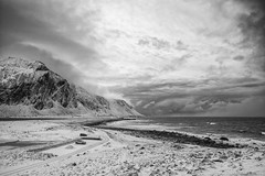 There's a storm on the way (OR_U) Tags: 2017 oru norway lofoten eggum mountains sea coast snow ice winter landscape bw blackandwhite blackwhite schwarzweiss monochrome gnarlsbarkley clouds storm weather