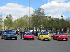 Four side by side Ferraris (pivapao's citylife flavors) Tags: paris france people champdemars amazing