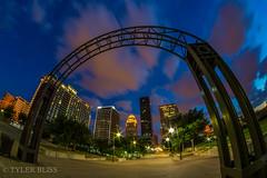 Arch de Louisville (Tyler Bliss) Tags: downtown kentucky louisville belvedere louisiville